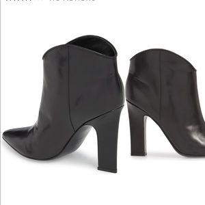 MARC FISHER LTD. LEATHER ANKLE BOOTIES. BNWT 9.5